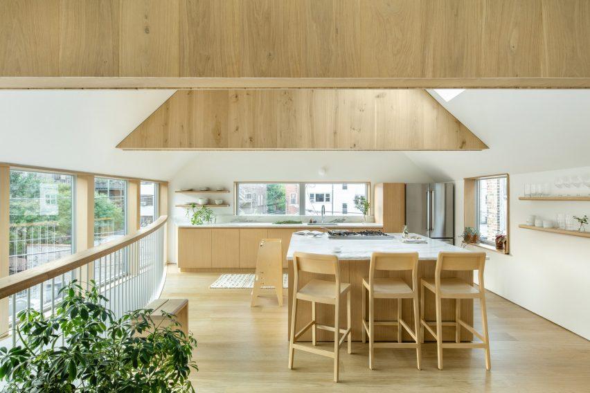 Kitchen in Ardmore House by Kwong Von Glinow