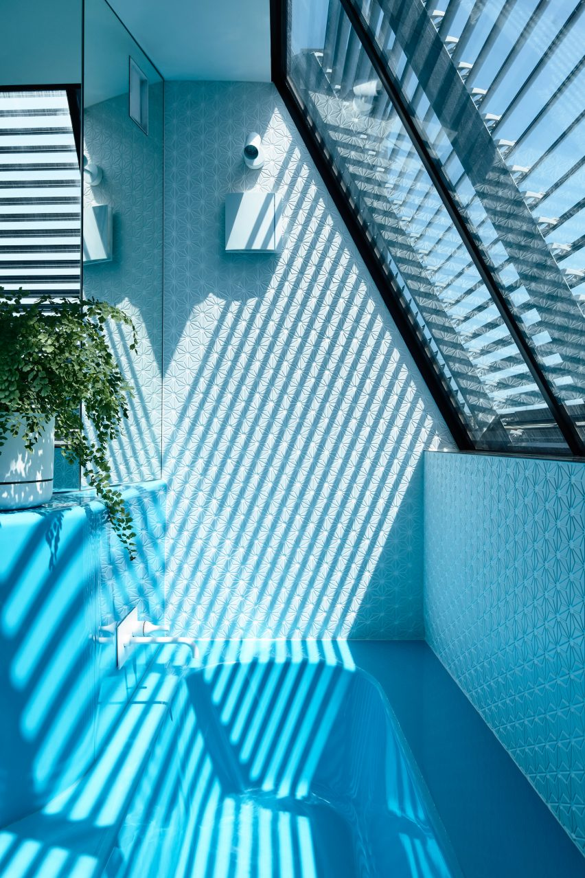 Blue fibreglass bathroom unit in Melbourne