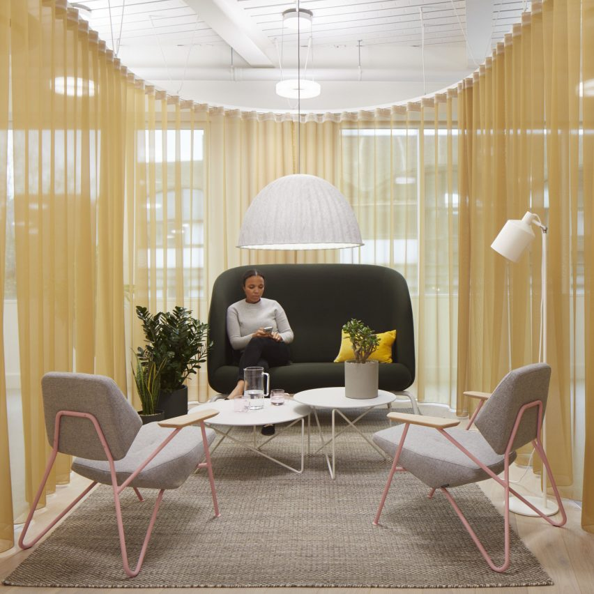 "Buckley Gray Yeoman gives Panagram office in London a ""retro-pop aesthetic"""