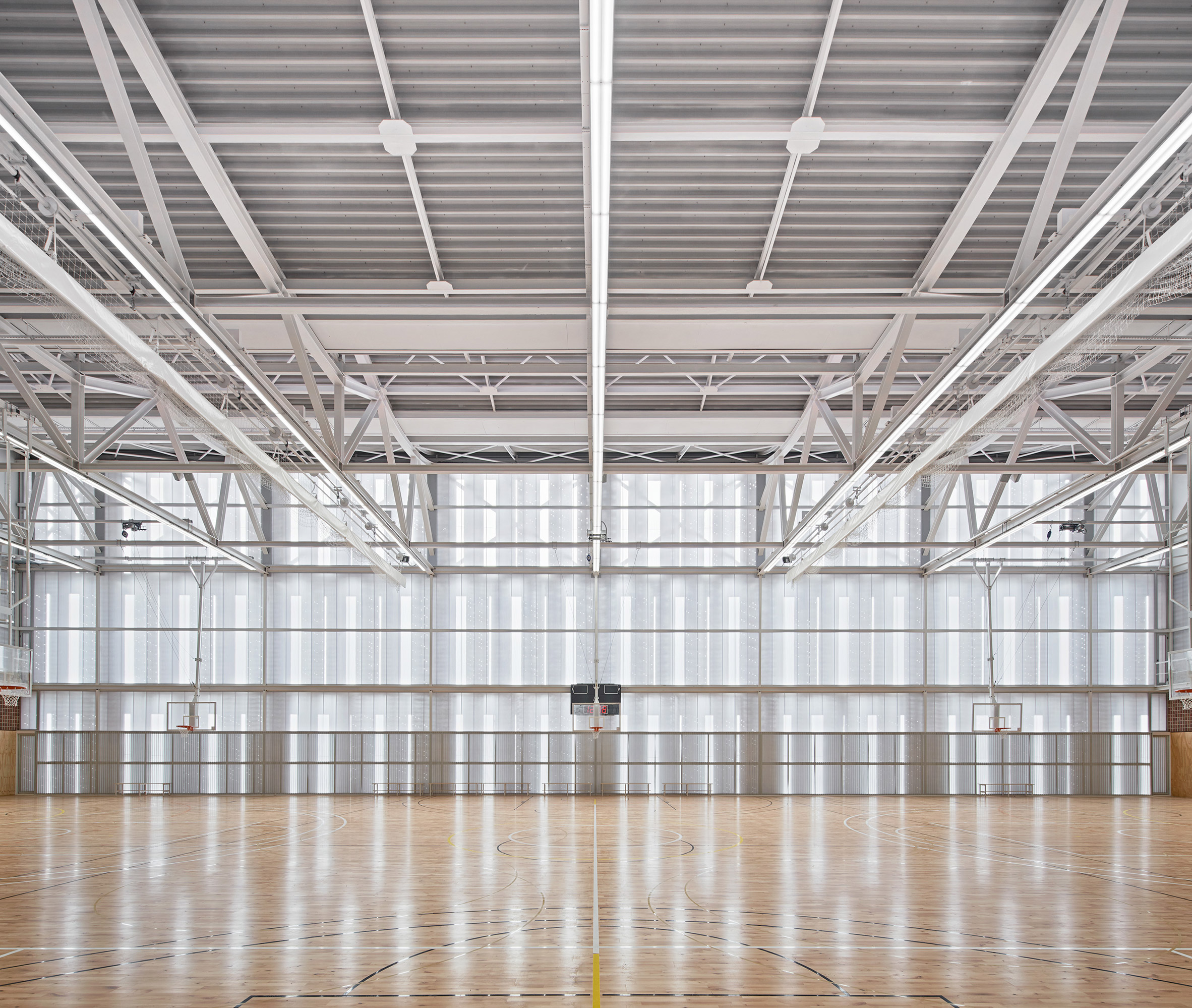 First floor sports hall in Camp del Ferro sports centre in Barcelona