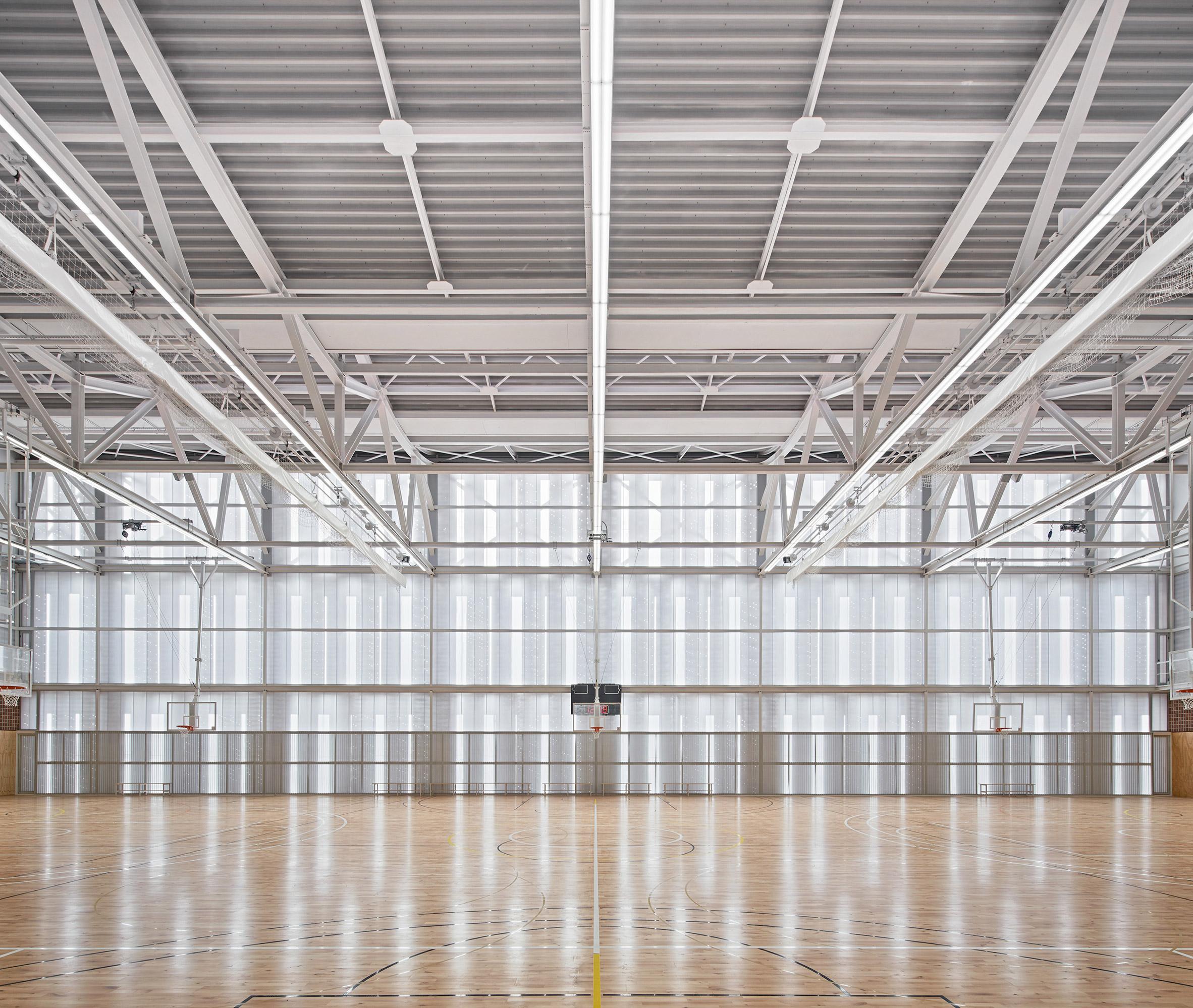 First floor sports hall in Camp del Ferro sports centre in Barcelona