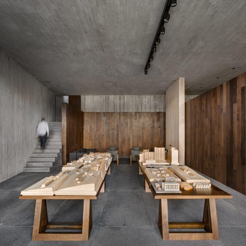 Architectural models in Casa Estudio by Manuel Cervantes Estudio