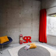 A bedroom in Concrete House by RAW Architecture Workshop in East Sussex