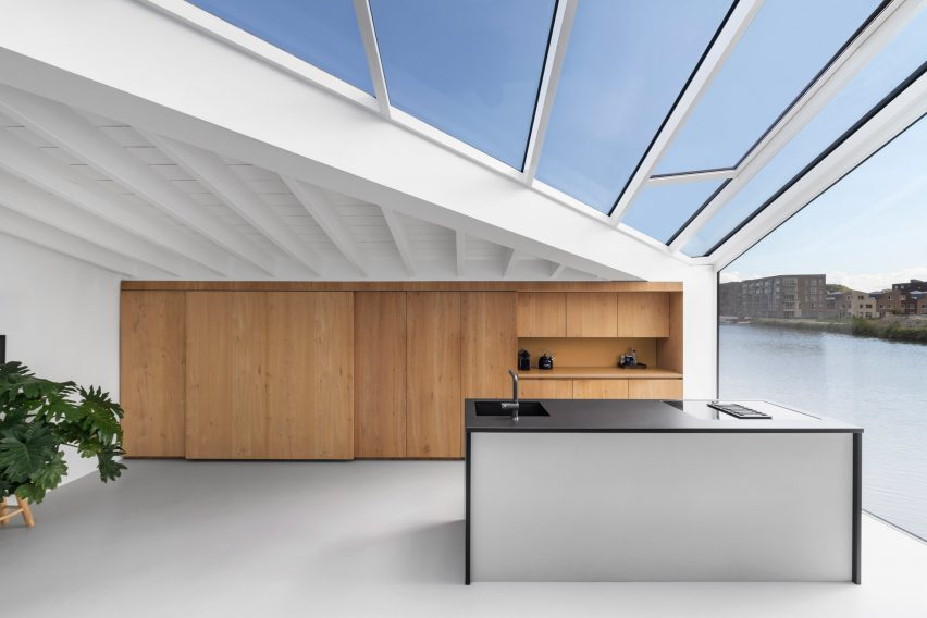 The kitchen inside the floating house by i29