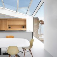 The kitchen of the floating house by i29