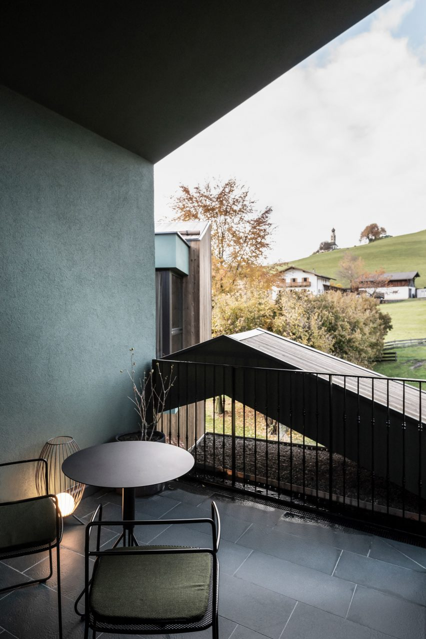 A balcony in the Floris hotel extension by NOA