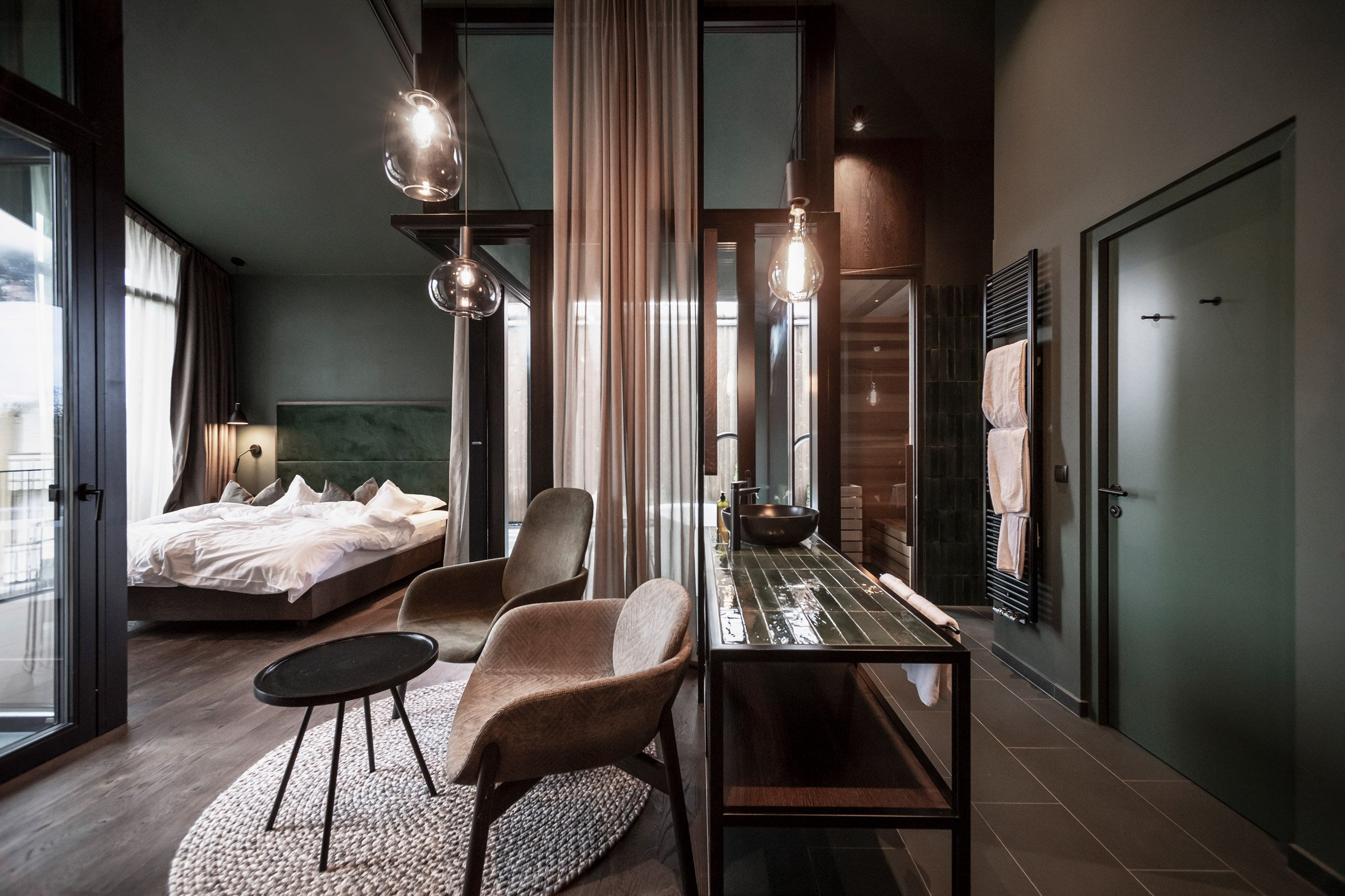 A private suite in the Floris hotel extension by NOA