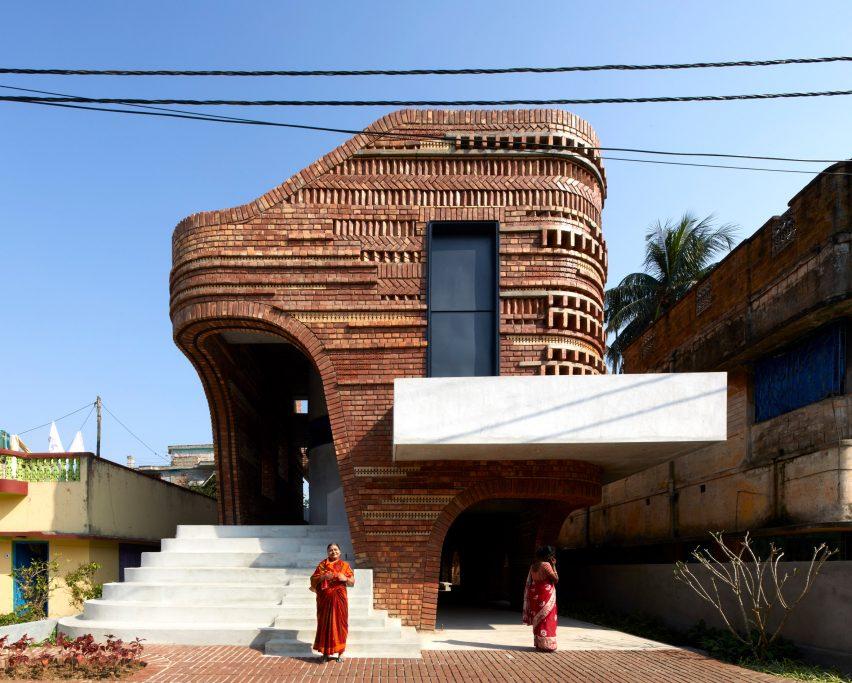 Community centre in Bansberia by Abin Design Studio