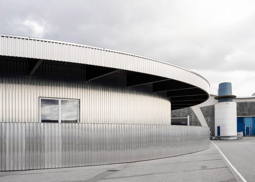 Aluminium clad ticket office for Mehr! Theater