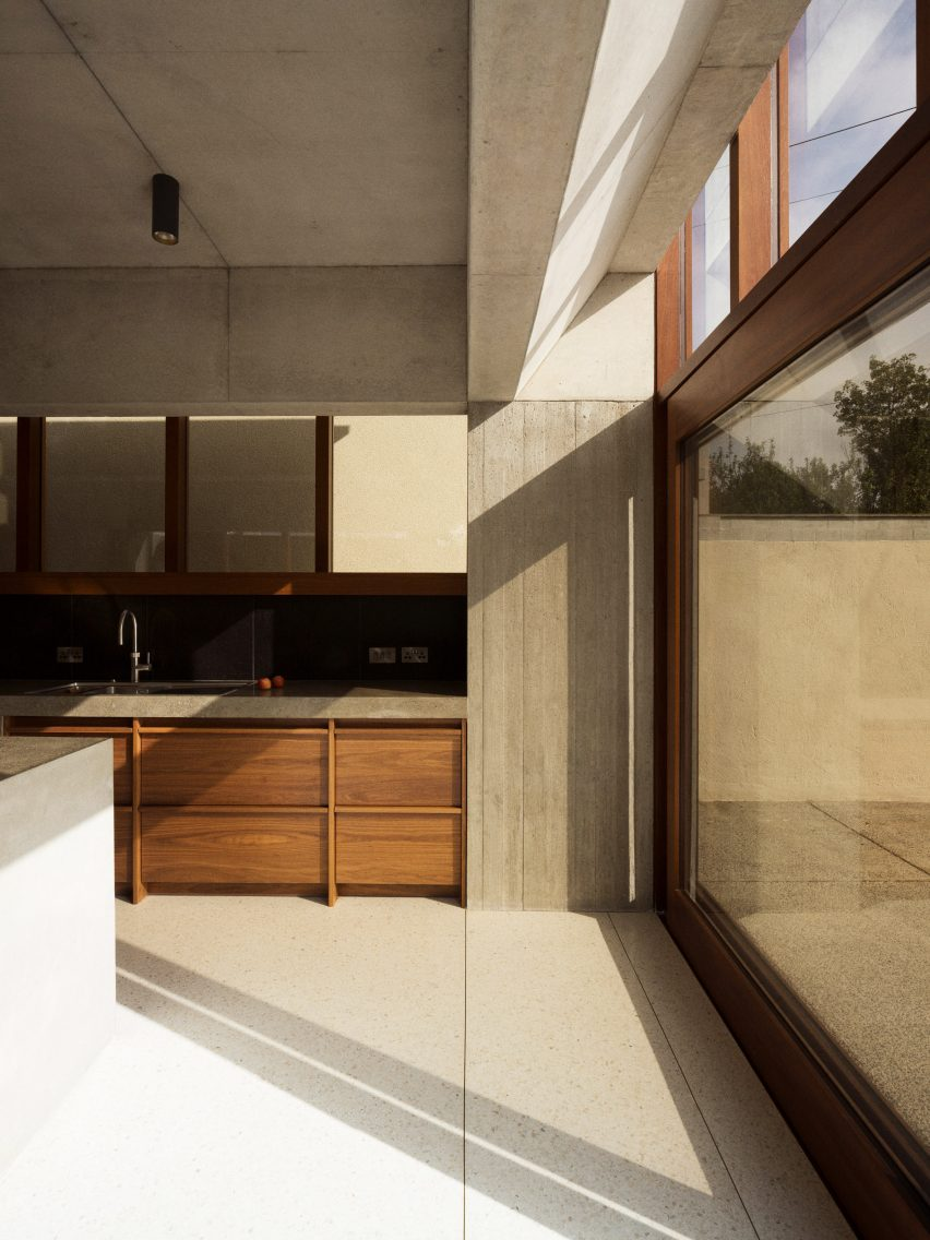 The kitchen of the Hollybrook Road extension by TOB Architect