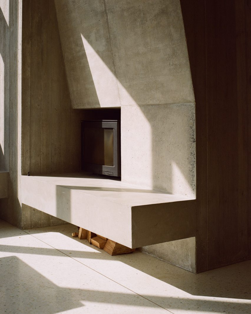 The fireplace in the Hollybrook Road extension by TOB Architect