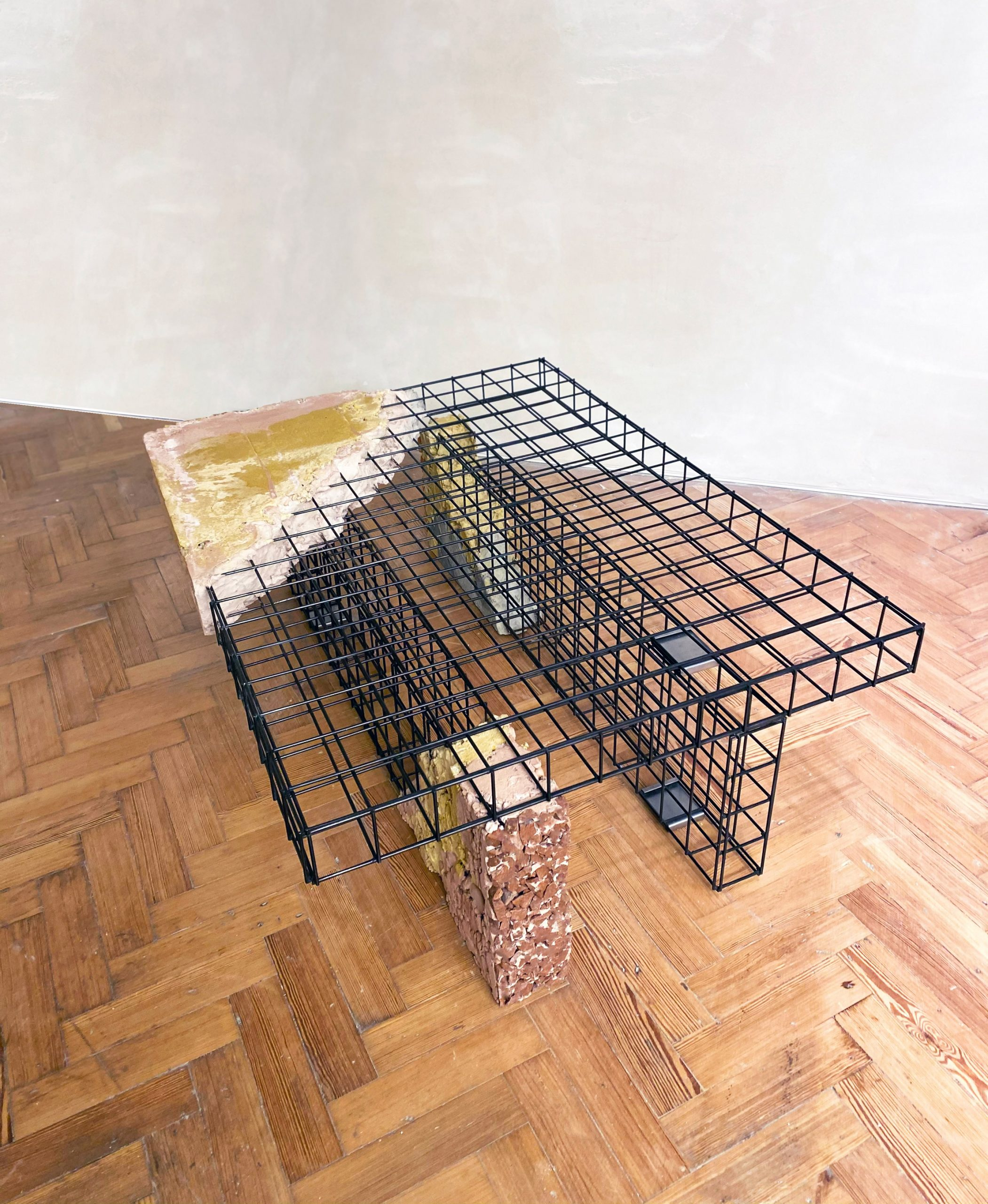 Table built using the modular Appropriating the Grid furniture collection by Irene Roca Moracia