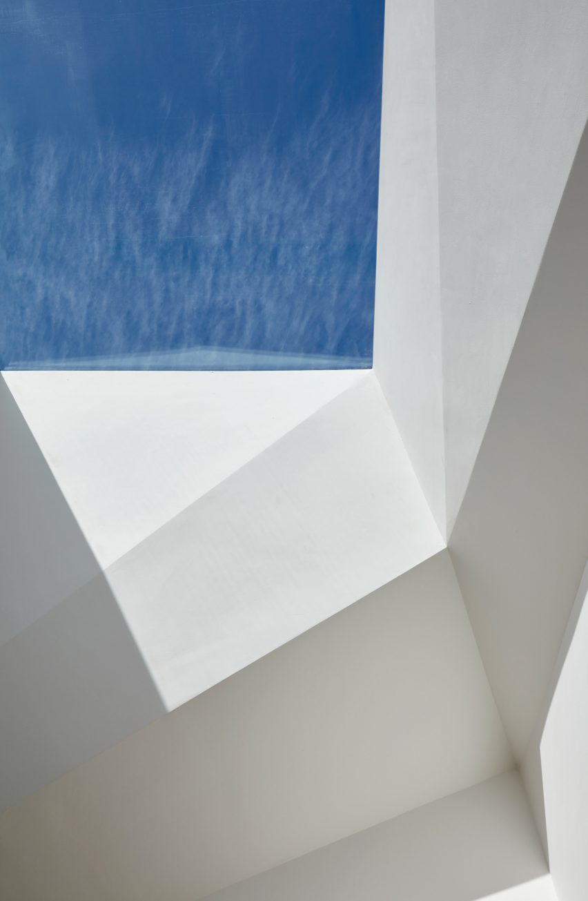 Paddington Pantheon art gallery in a London mews byJonathan Tuckey Design