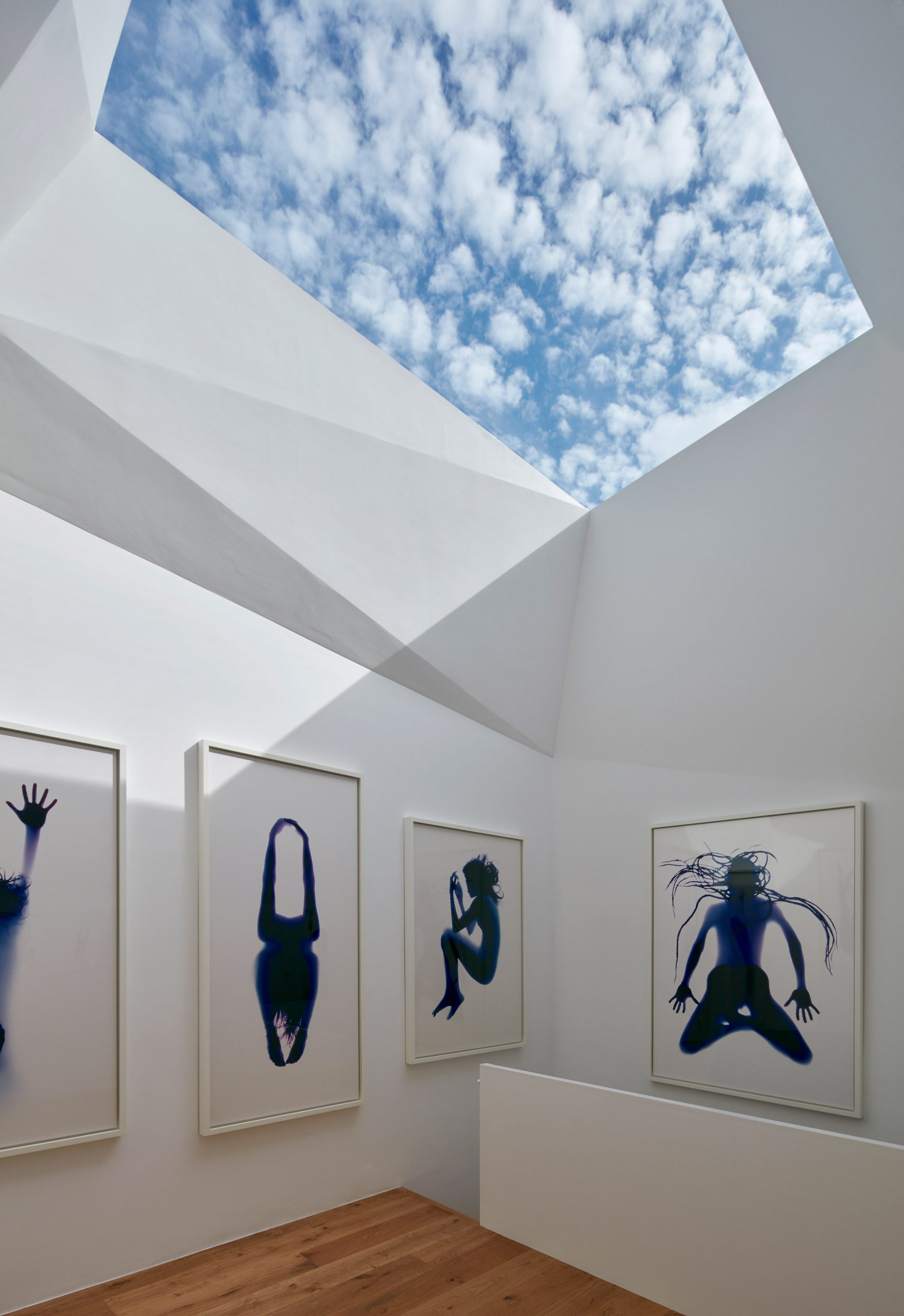 Art gallery in London mews by Jonathan Tuckey Design