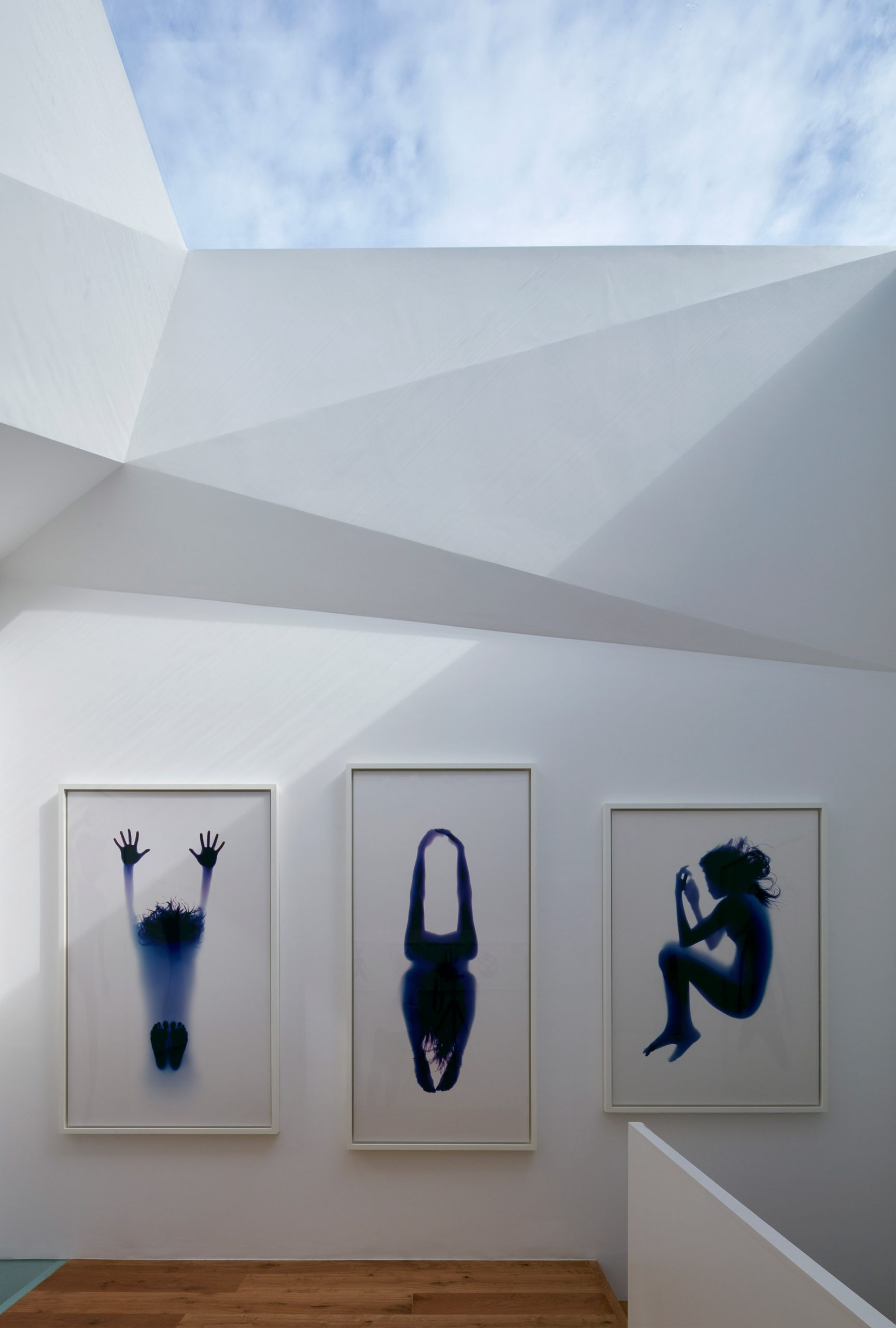 Paddington Pantheon art gallery in a London mews by Jonathan Tuckey Design