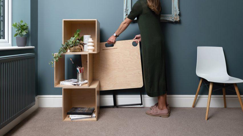 A folded KIT desk by Spacestor