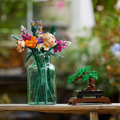 "Lego releases Botanical Collection ""to brighten the home"""