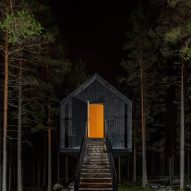 The exterior of the Niliaitta cabin by Studio Puisto