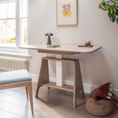 Noa sit-stand desk by Benchmark in the seated setting