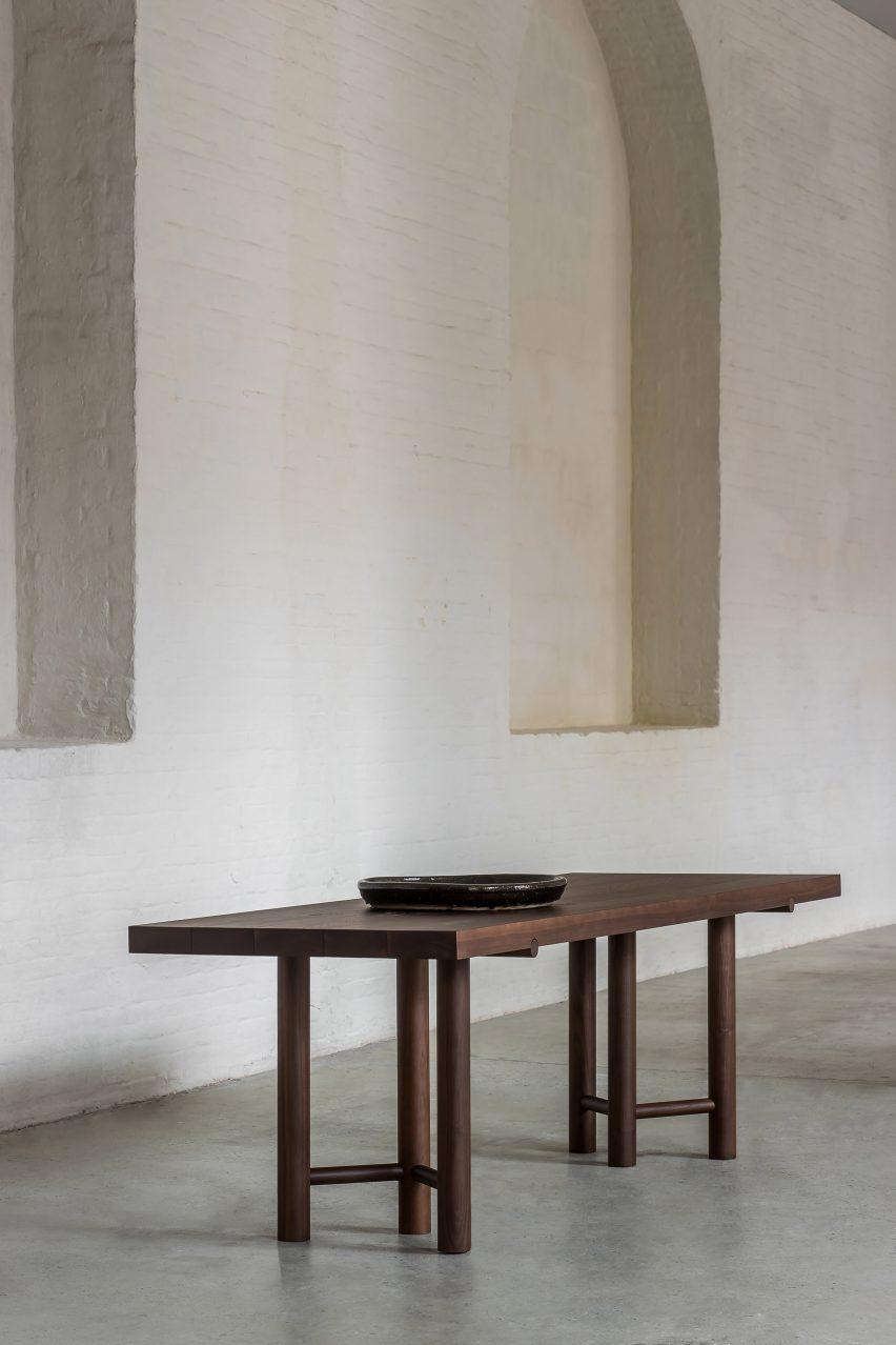 Rectangular table in Nomad furniture by Nathalie Deboel