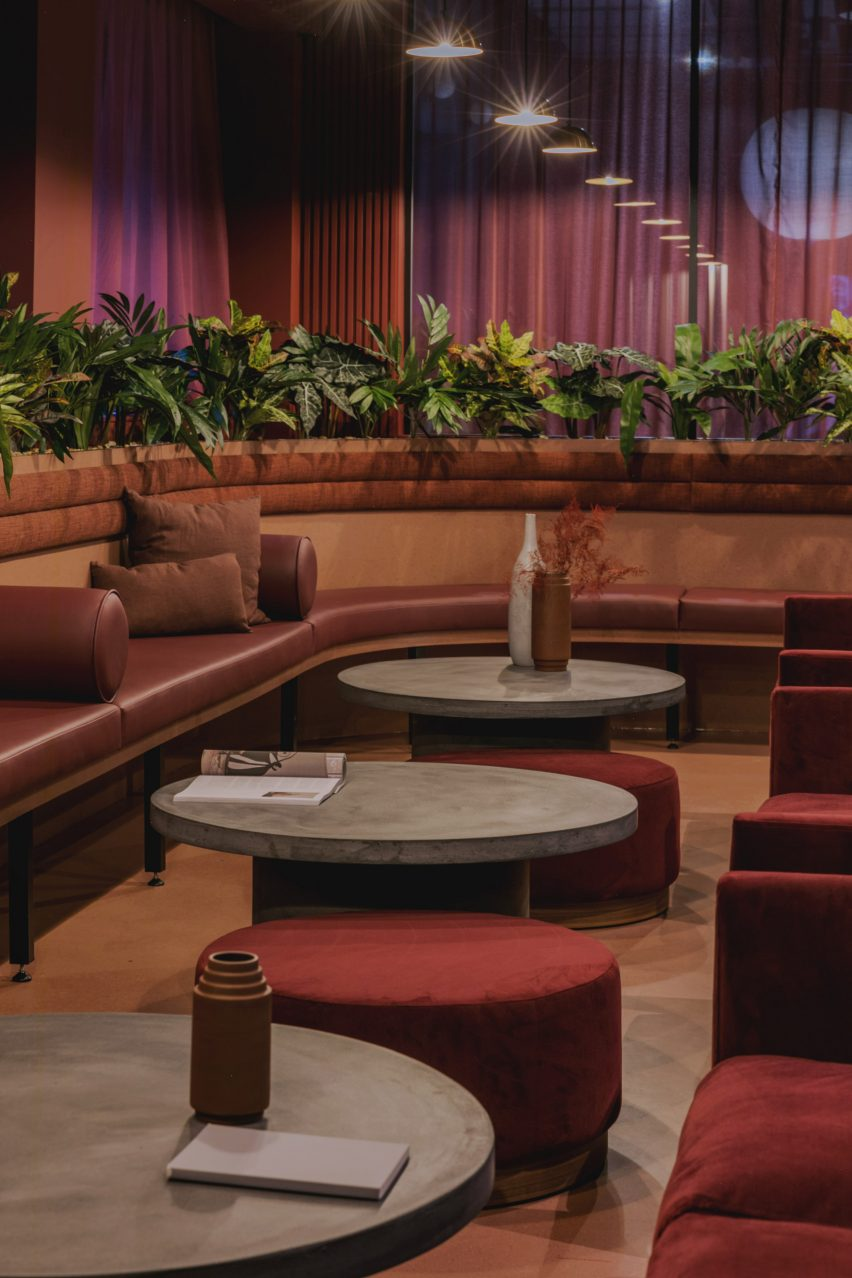Central bar seating from Urban HQ office interior by Kingston Lafferty Design