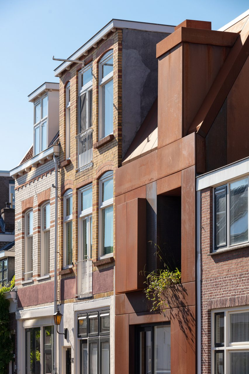 Corten steel house in Utrecht