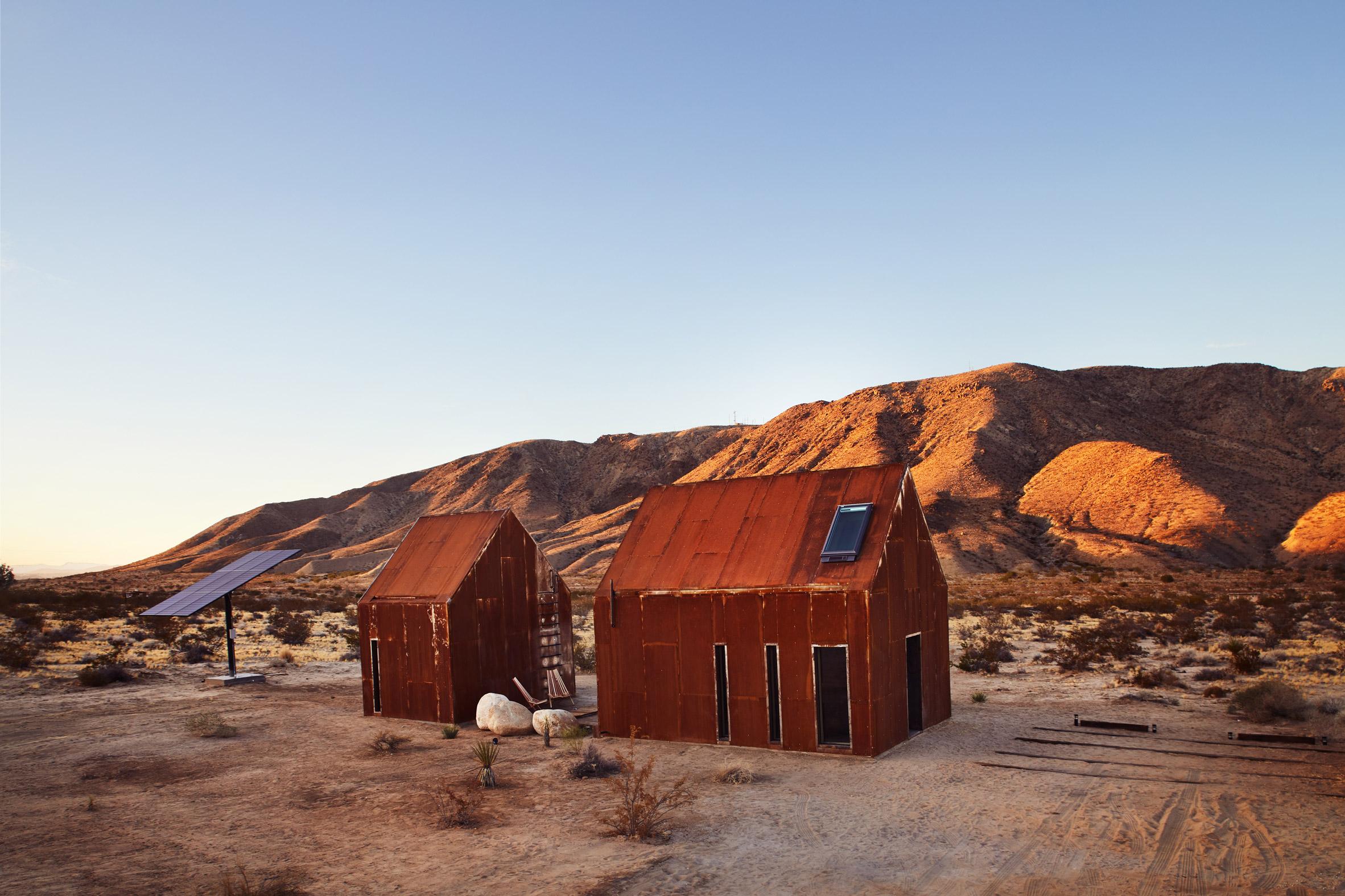Metal cabin in Californian desert