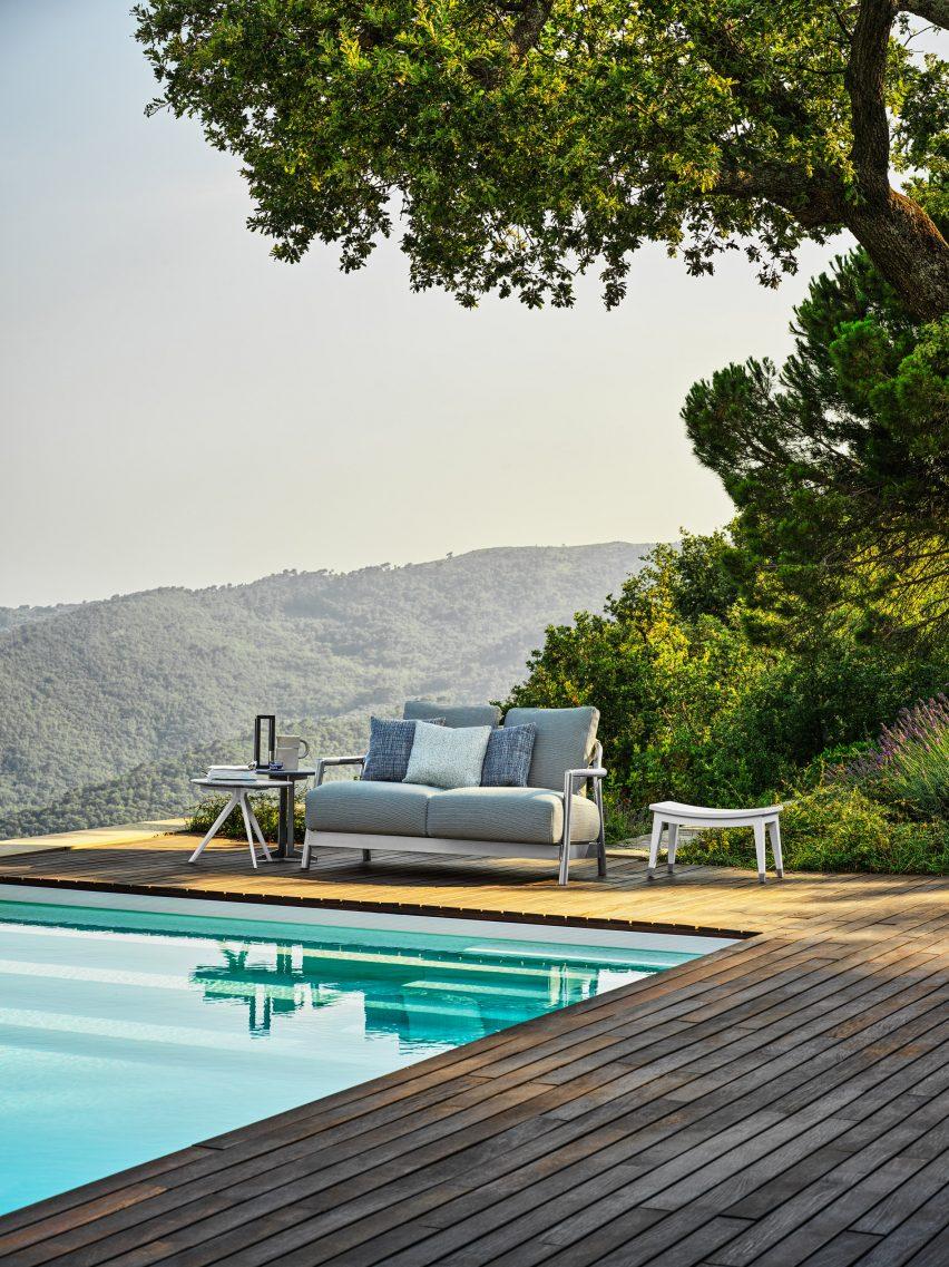 Swimming pool at Villa Nemes by Giordano Hadamik Architects
