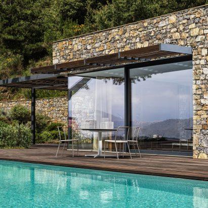 Front window at Villa Nemes by Giordano Hadamik Architects