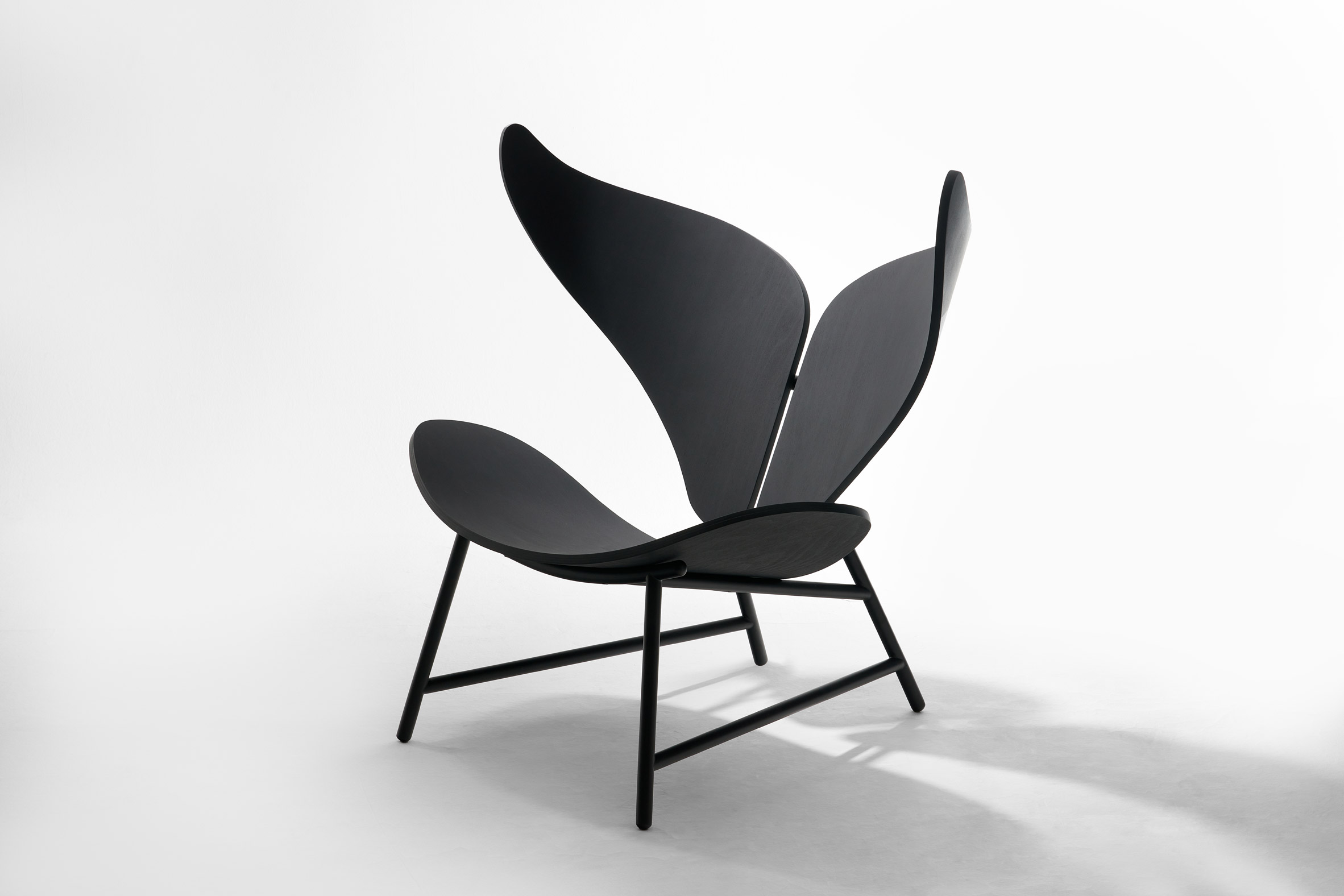 Chair with powder coated legs