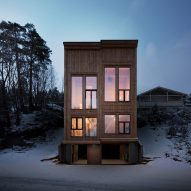 Rever & Drage Architects builds modern log cabin in Norway