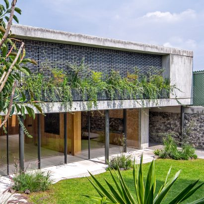 Casa Agua is concrete