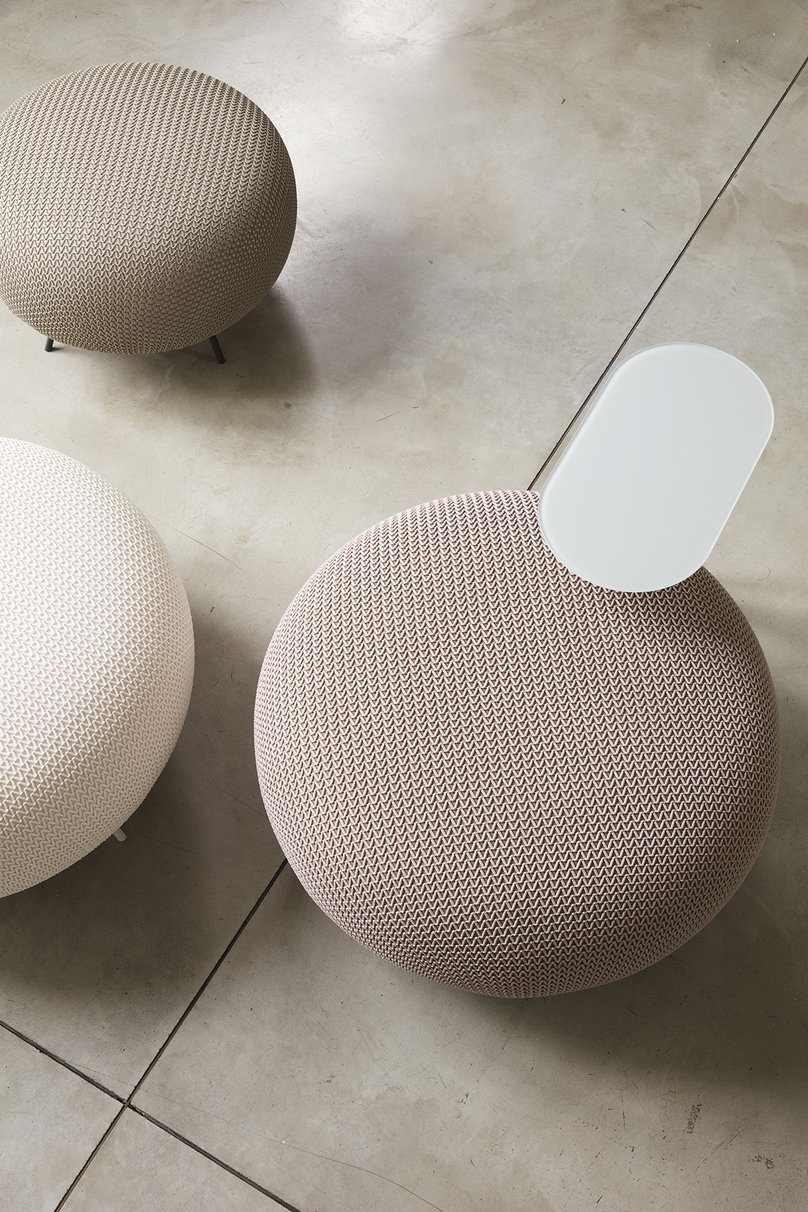Large and small ottomans by IOC Project partners