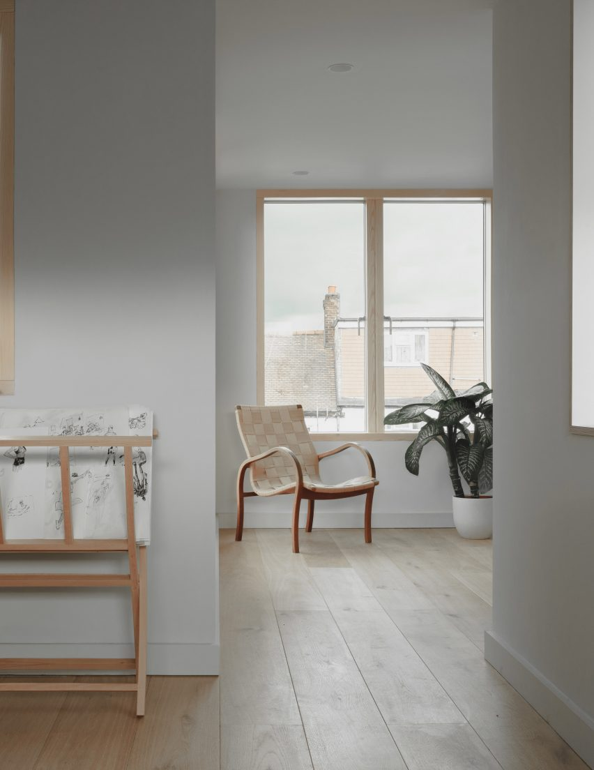 The pared-back attic a terraced London house by DeDraft