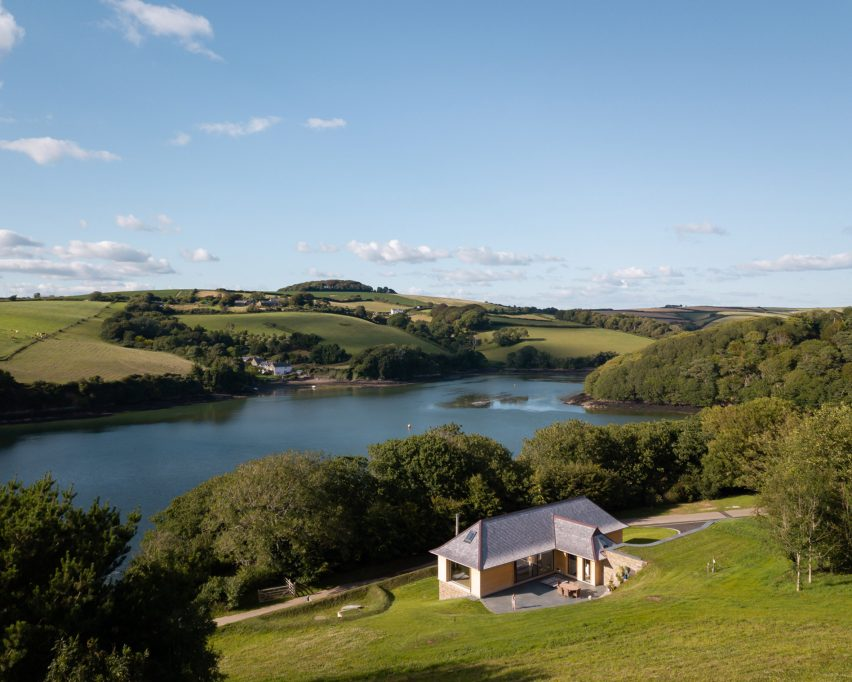 House in an Area of Outstanding Natural Beauty overlooking Salcombe Estuary