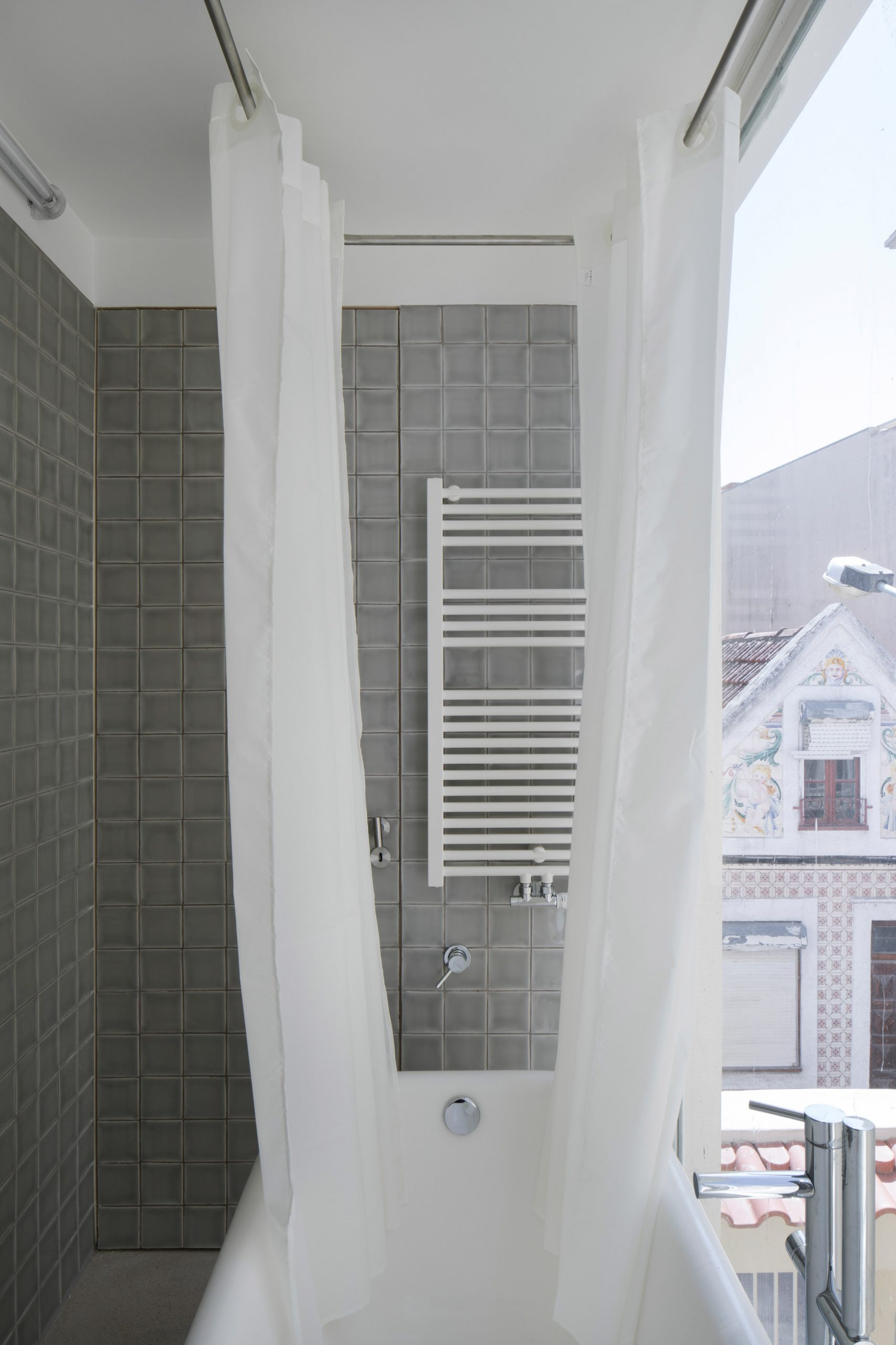 Upstairs bathroom on the Casa da Beiramar balcony