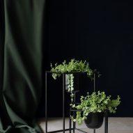 Black plant pots