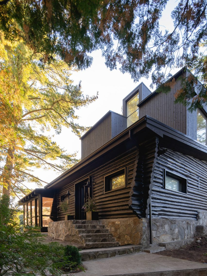 Extension to a log cabin in Canada