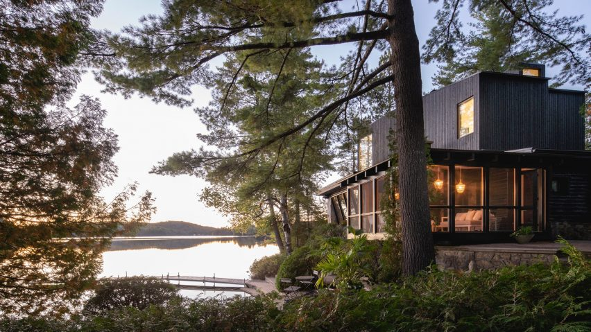 Cottage on the Point lake house in Quebec
