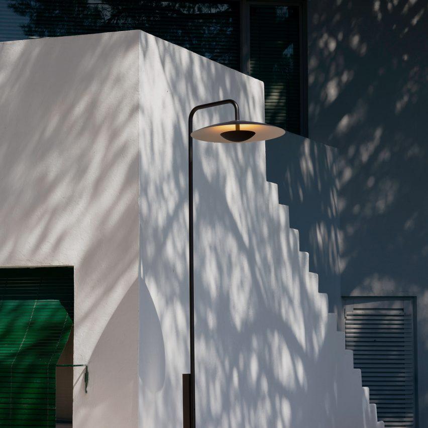 Ginger lamppost by Joan Gaspar for Marset
