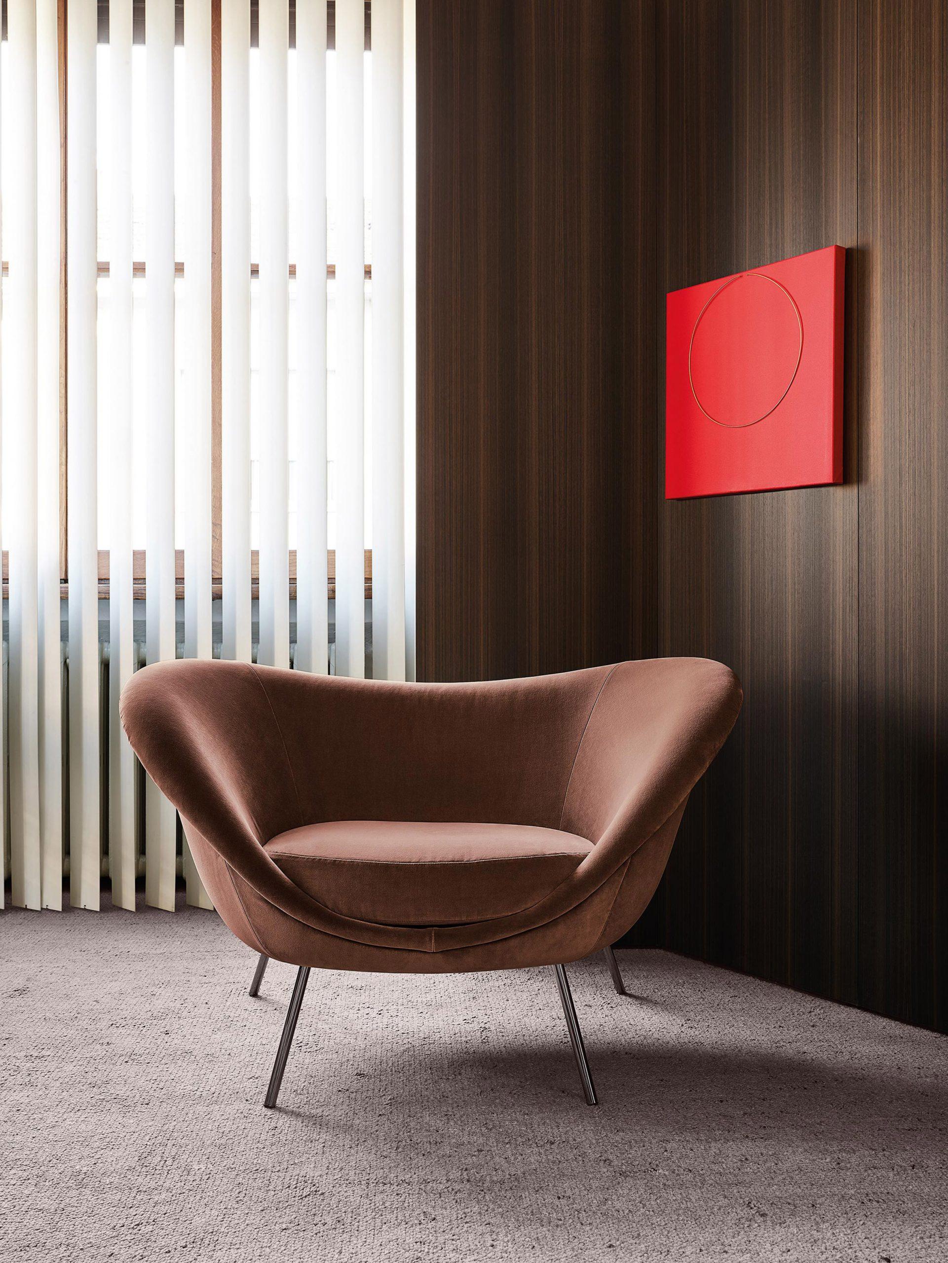 D.154.2 armchair with velvet covers