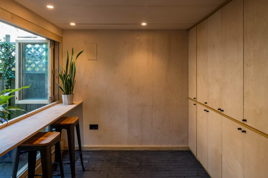 Birch plywood bar and storage shelves from Hansler Road house extension by Alexander Owen Architecture