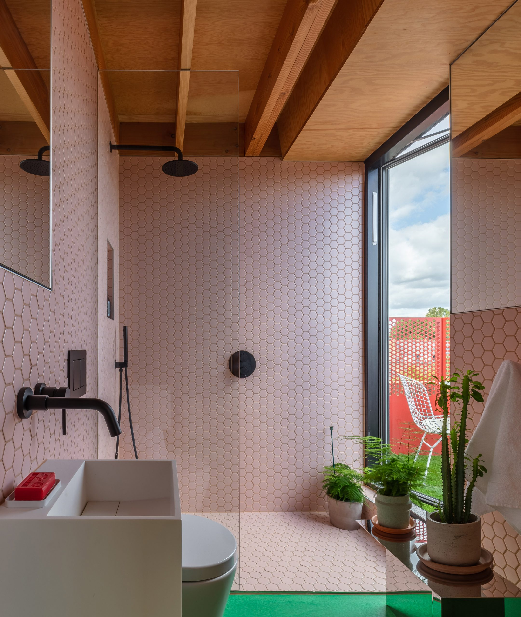 Bathroom in High Street House by Noiascape Teatum+Teatum