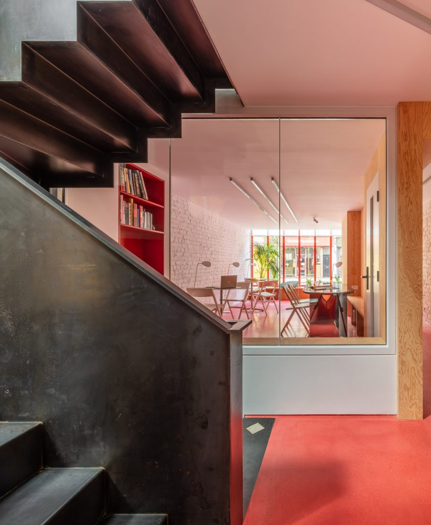 Staircase in High Street House by Noiascape Teatum+Teatum