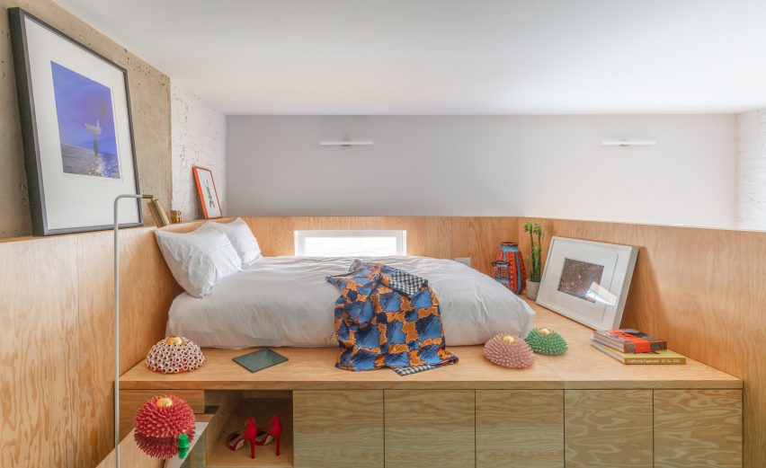 Bed platform in High Street House by Noiascape Teatum+Teatum