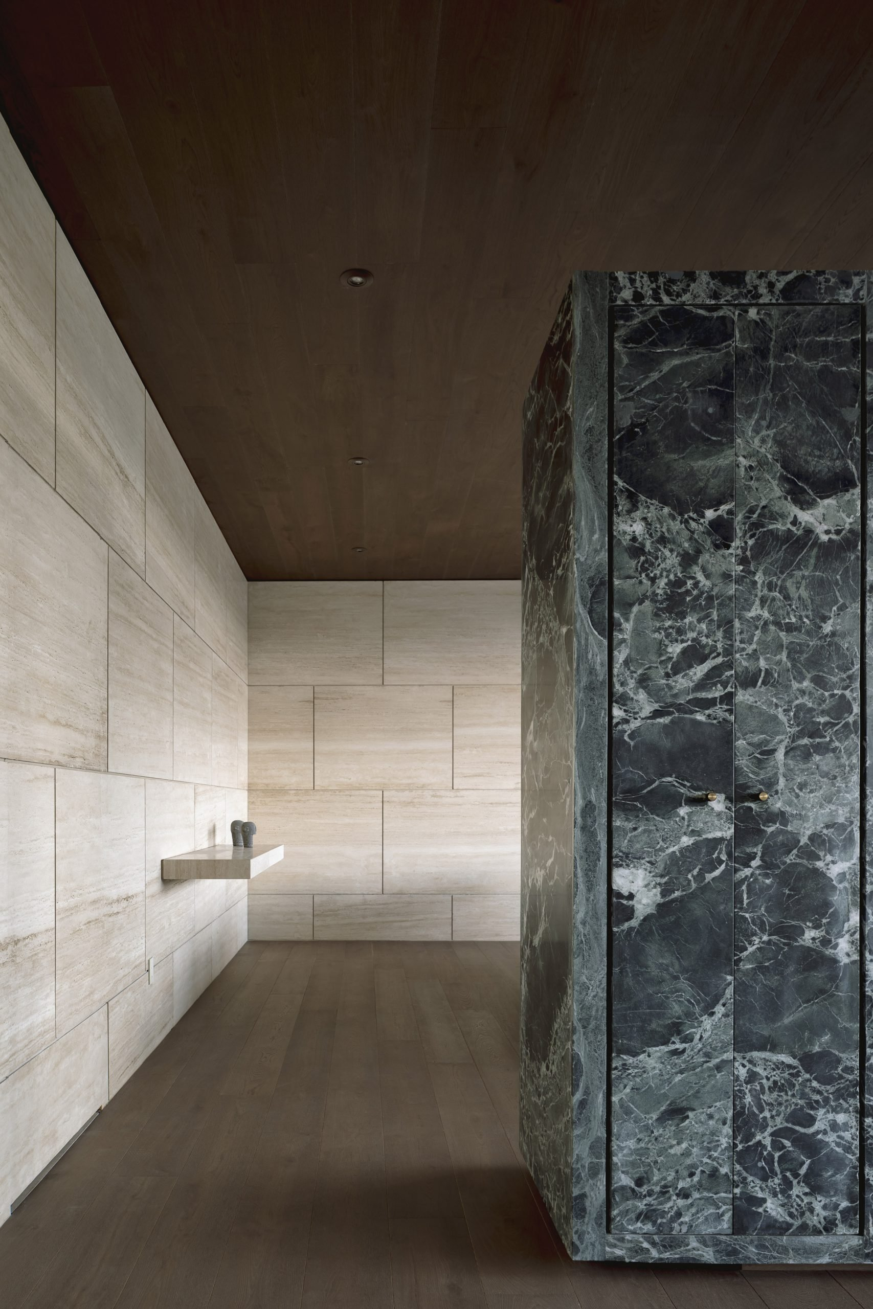 Bathroom in Casa ZTG by 1540 Arquitectura