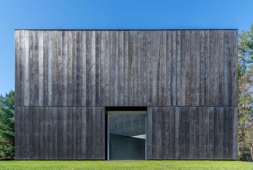 Facade made from Accoya wood