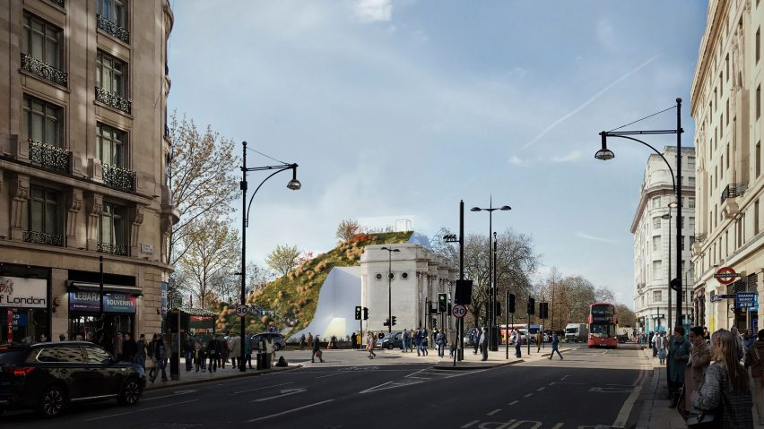 A visual of an artificial hill beside Marble Arch