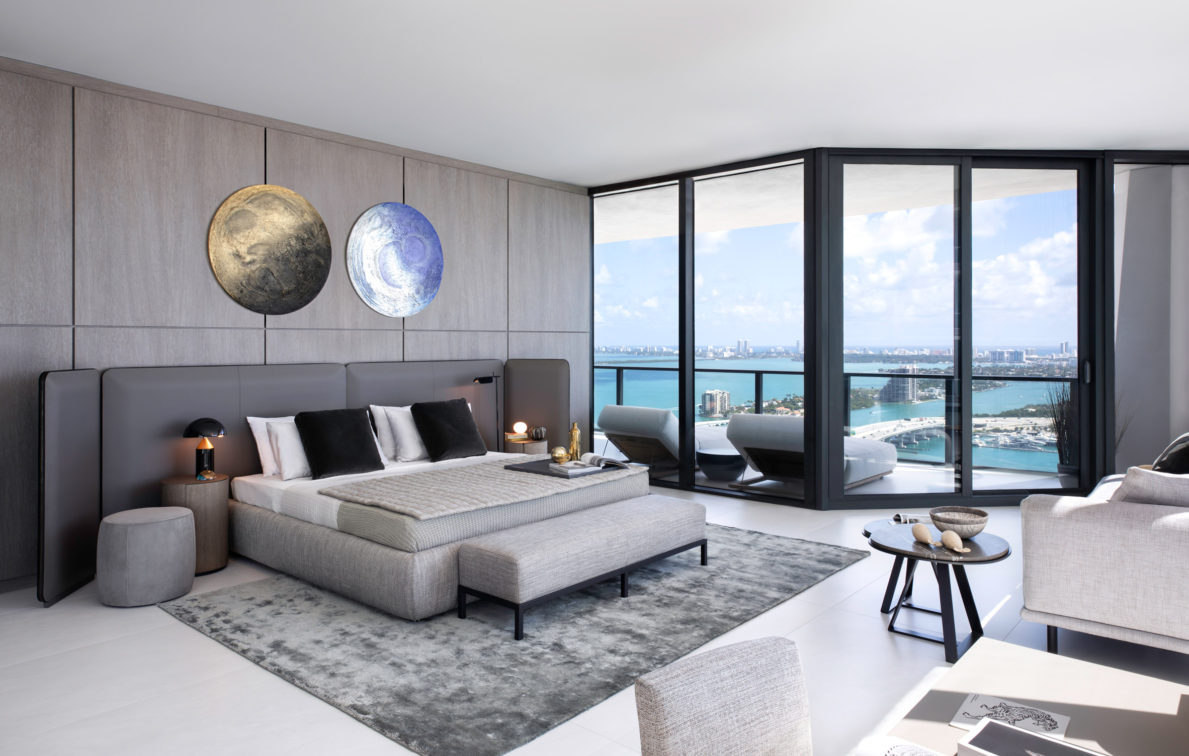Master bedroom in One Thousand Museum apartment by Meridiani