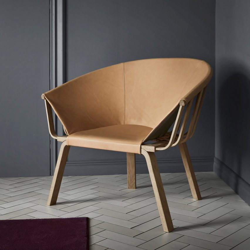 Pinot easy chair in leather and oak